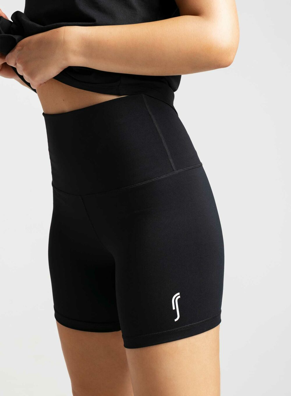 rs_biker_shorts_black_3